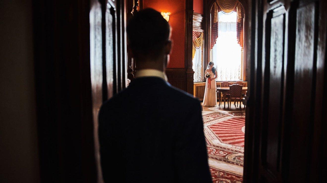 Свадебная съёмка в Санкт-Петербурге в загсе