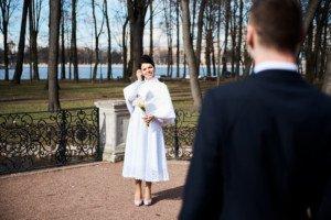 Свадебная фотосессия весной в Лопухинском саду 14