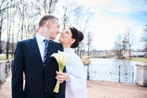 Свадебная фотосессия весной в Лопухинском саду 17