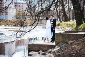 Свадебная фотосессия весной в Лопухинском саду 20
