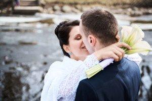 Свадебная фотосессия весной в Лопухинском саду 19