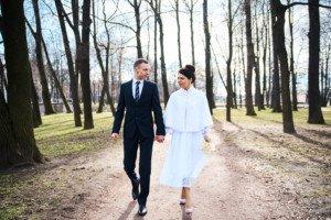 Свадебная фотосессия весной в Лопухинском саду 23