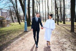 Свадебная фотосессия весной в Лопухинском саду 24