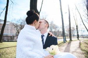 Свадебная фотосессия весной в Лопухинском саду 27