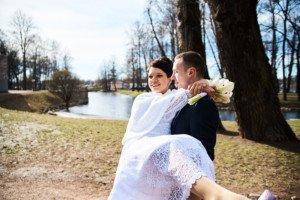 Свадебная фотосессия весной в Лопухинском саду 29