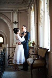Свадебная фотосессия весной в Лопухинском саду 3