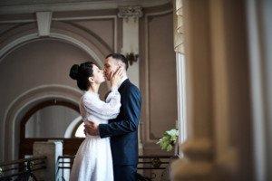 Свадебная фотосессия весной в Лопухинском саду 4