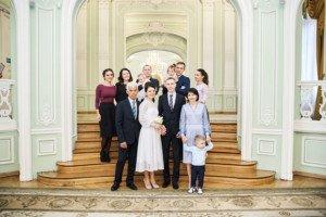 Свадебная фотосессия весной в Лопухинском саду 12