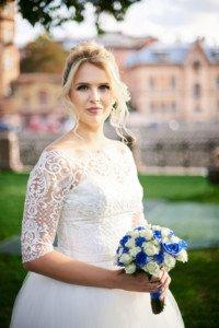 Невеста на свадебной фотосесии