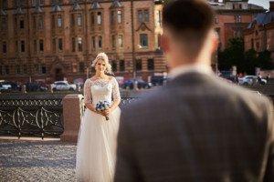 Пара на свадебной фотосесии
