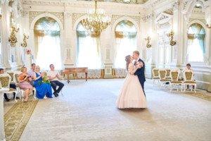 свадебная фотосессия первый поцелуй